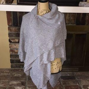 Wool/cashmere asymmetrical poncho